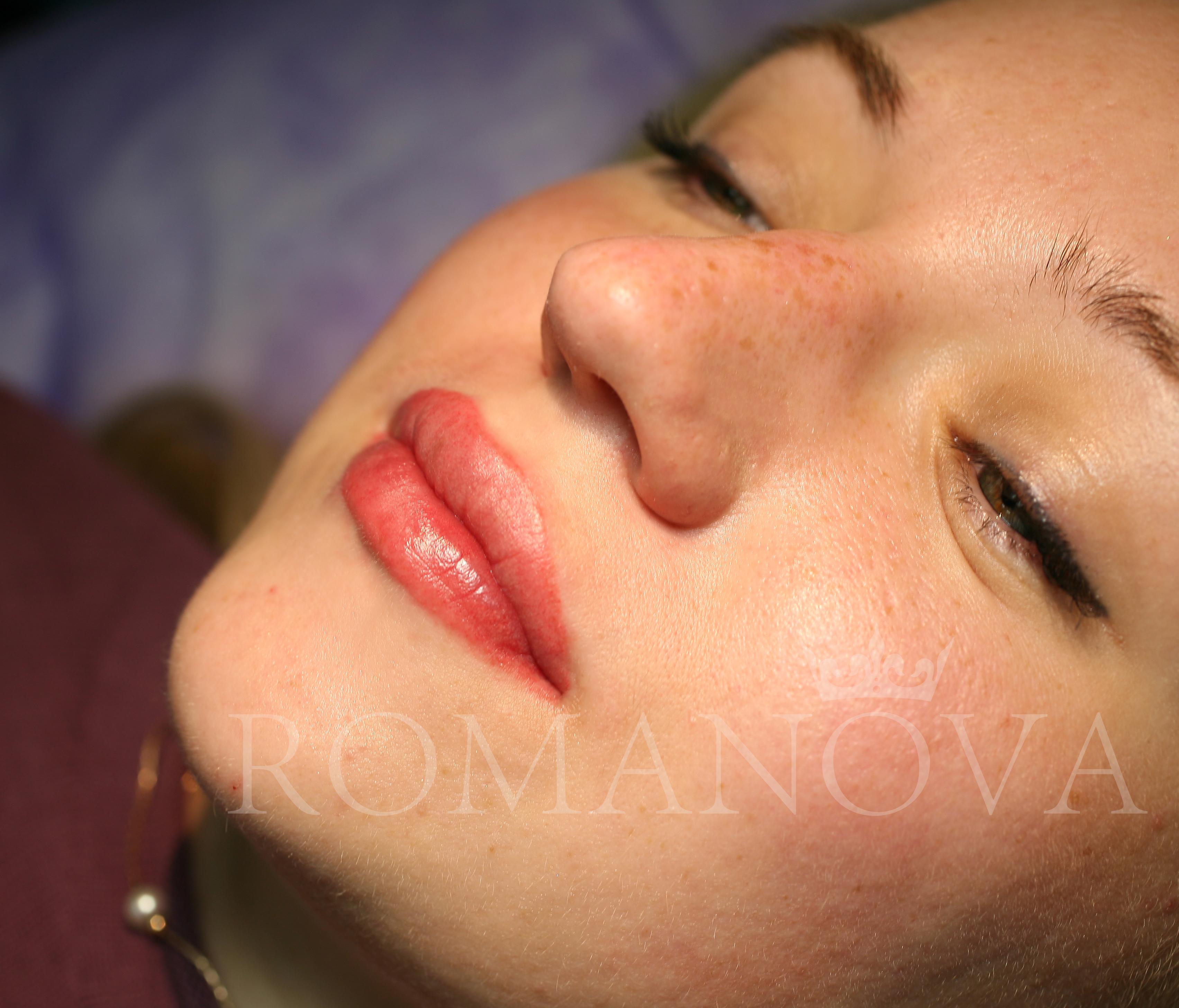 Татуаж губ сразу после процедуры