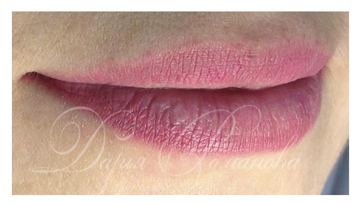 Розовые губки несомненный атрибут блондинок! Перманентный макияж сделает Ваши губки красивыми и нежными!